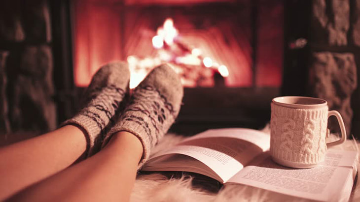 The ultimate Christmas romance reading list to lift your holiday spirits